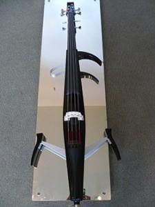Nieuwe aanwinst Elektrische cello, merk Yamaha.